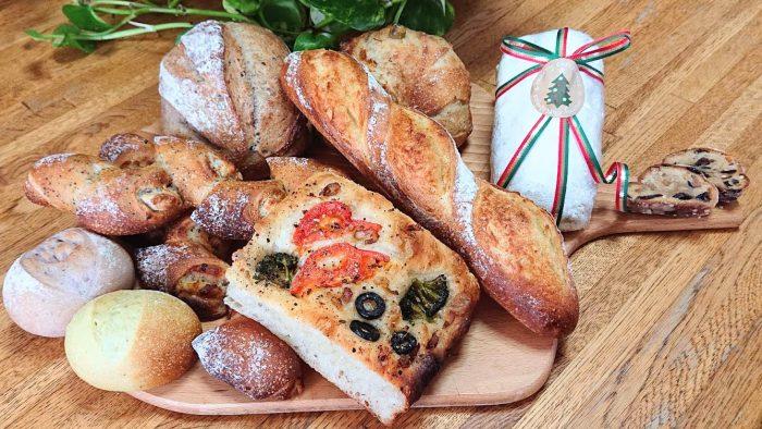 12月15日おやつマルシェ7周年イベントで小林里美さんが焼きたて天然酵母パンを販売してくれます。
