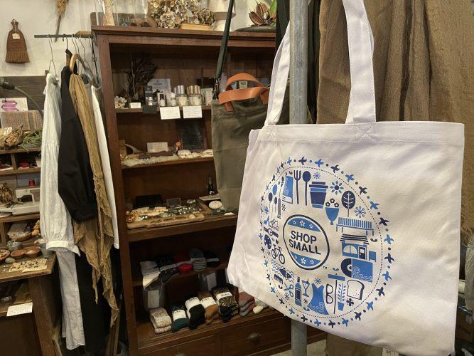 SHOP SMALL2020トートバッグキャンペーン 当店では15日から配布開始します